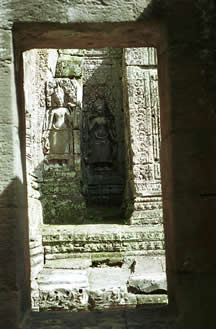 the aspara bas relief at angkor monuments
